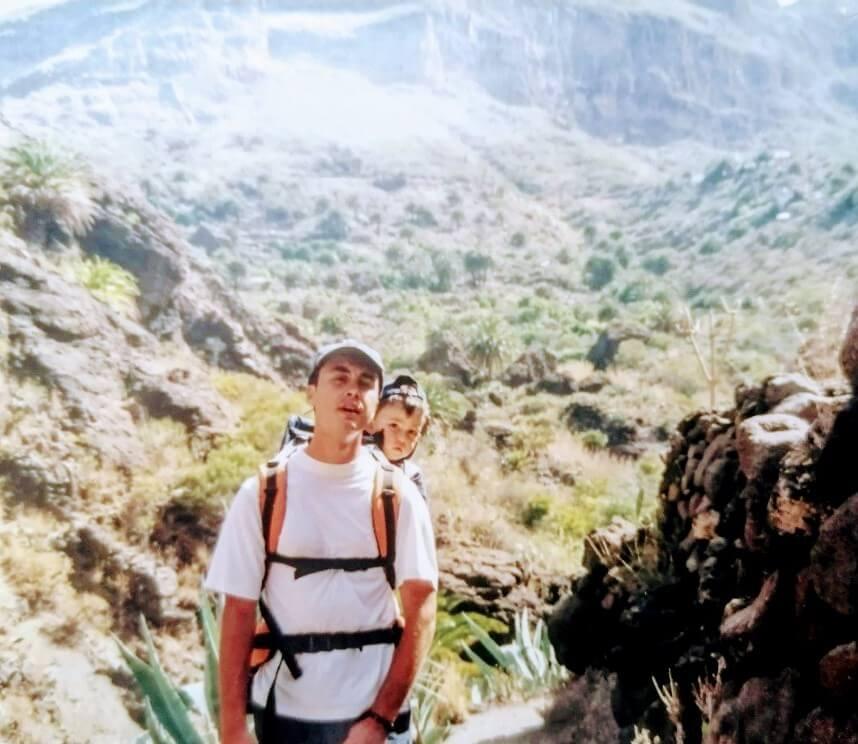 Alejandro y Victor en el Barranco de Masca. Gregorios wanderfamily Tenerife.